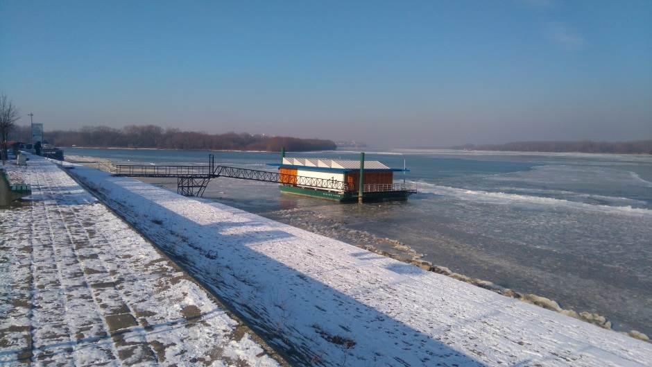 Zaleđen Dunav!