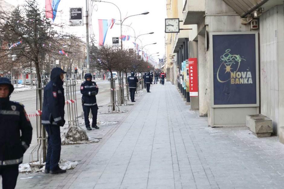 RS: Raport Trećeg puka, policija u stroju! (FOTO)