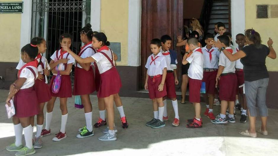 """Učenice u školu idu kao rakuni"" - biće uniformi?"