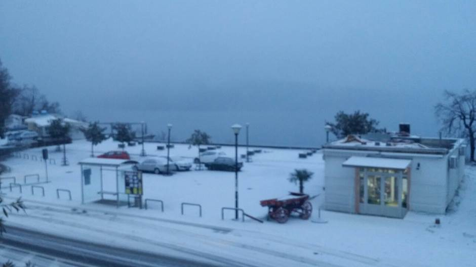 I crnogorsko primorje pod snegom (FOTO)
