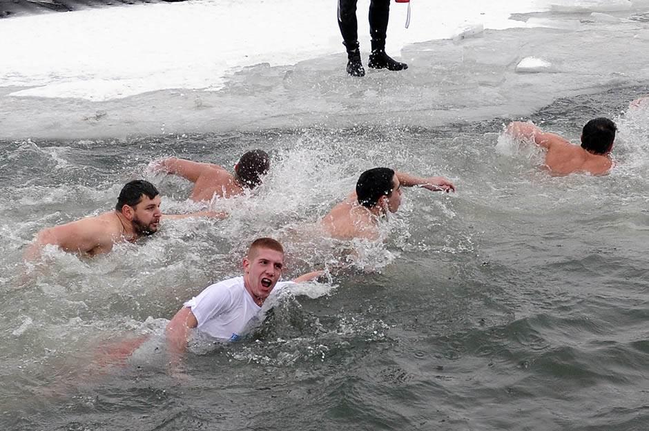 bogojavljenje, časni krst, plivanje,