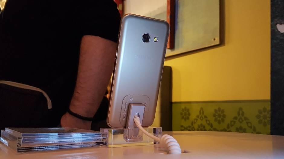 Galaxy A i Gear S3 stigli u Srbiju, evo i cena!