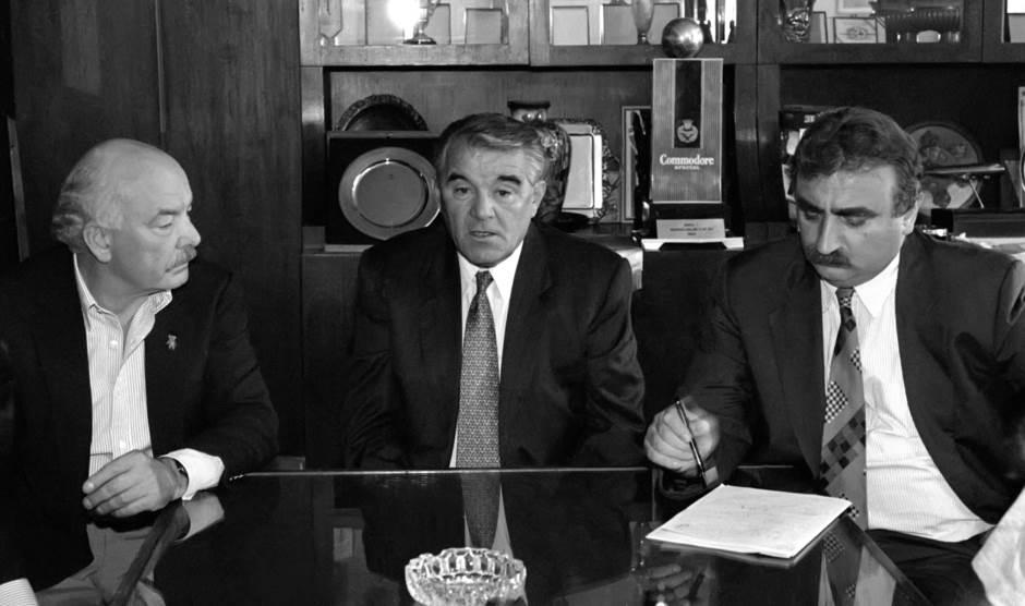 Dobrivoje Tanasijević (levo), Miljan Miljanić i Branko Bulatović 1994. godine