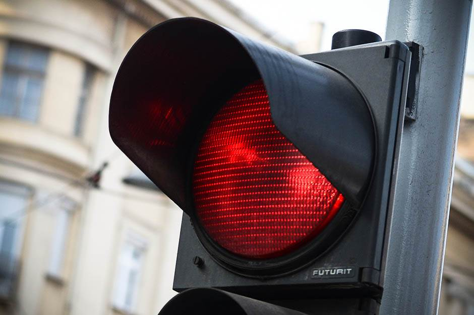 semafor, saobraćaj, crveno, crveno svetlo, semafor crveno, stop