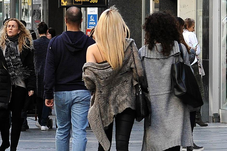lepo vreme, temperatura, vruće, sunce, beograđani, ljudi, ulica