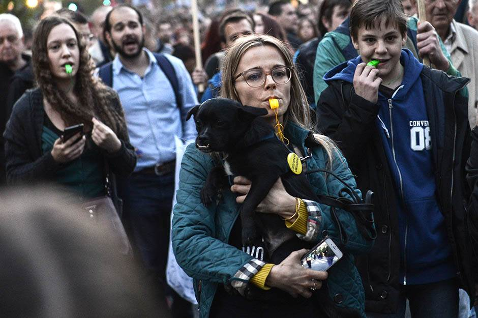 Uskršnja pauza u protestima do 18. aprila