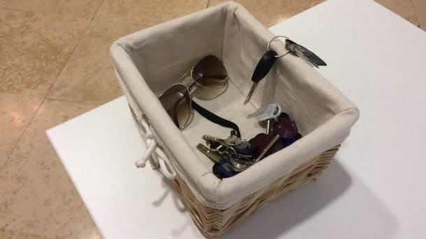 ključevi, naočare za sunce