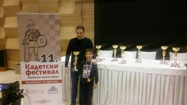 Mali genije: Ima sedam godina i 18 pehara (FOTO)