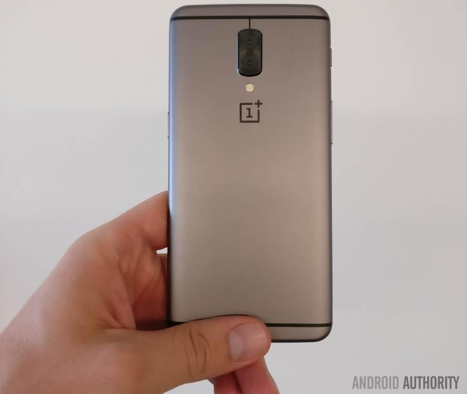 Da li biste dali 650 evra za ovaj telefon?!
