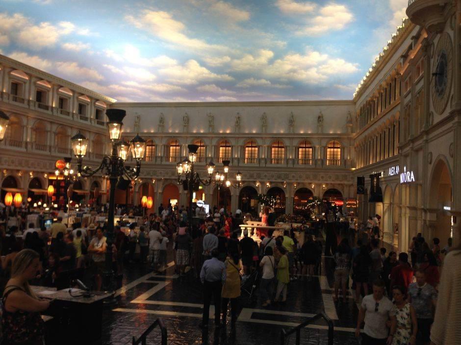MONDO u Las Vegasu: Pet dana ludila!