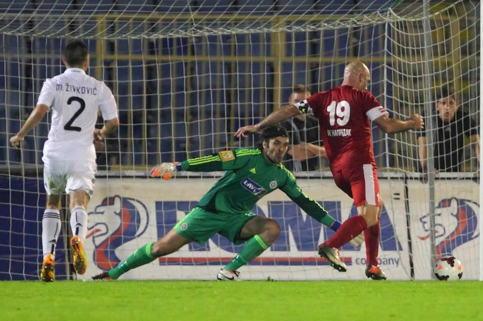 Nenad Mirosavljević u dresu Napretka protiv Partizana 2013. godine