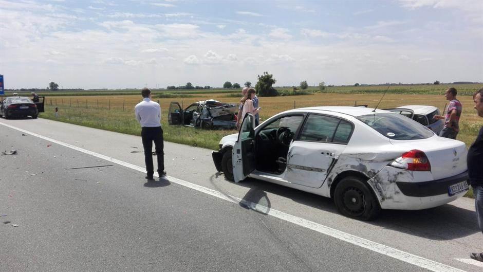 Užas na autoputu Beograd-Novi Sad! (FOTO)