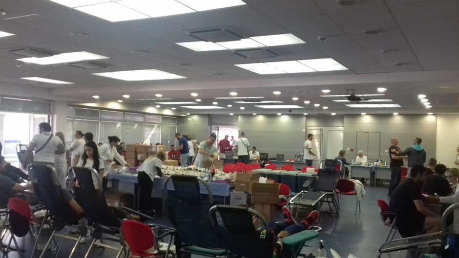 davanje krvi, transfuzija, krv, humanitarna akcija, vađenje krvi