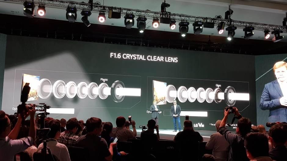 LG V30 pomera granice: Izgledom i opcijama (FOTO)