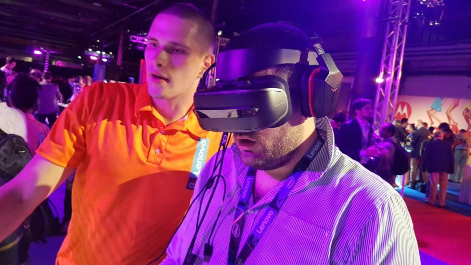 Lenovo Explorer Mixed Reality IFA 2017, AR, Augmented Reality, VR, Virtual Reality