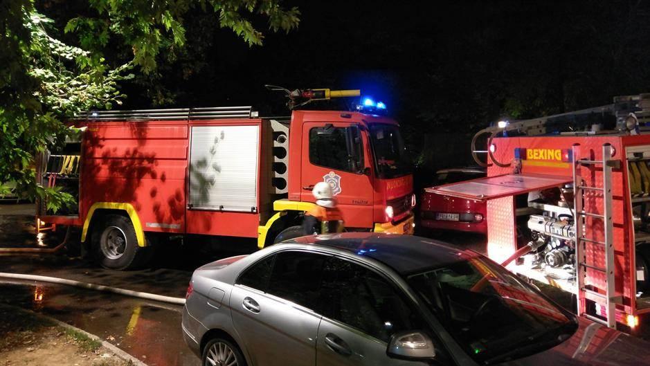 Požar u zgradi na Novom Beogradu! (FOTO)