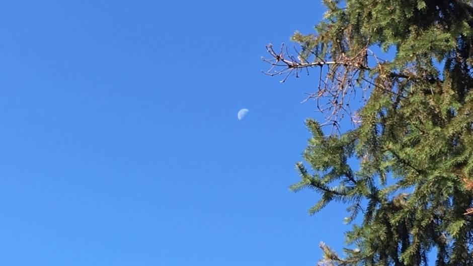 mesec, Mesec, nebo