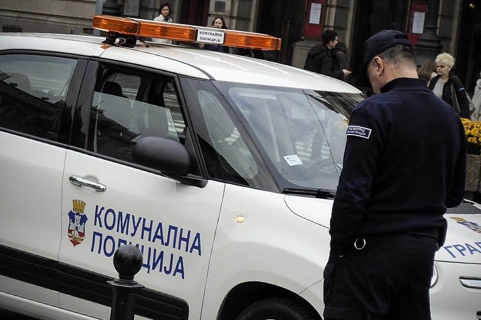 komunalna policija, komunalci, komunalna, policija, policajac,