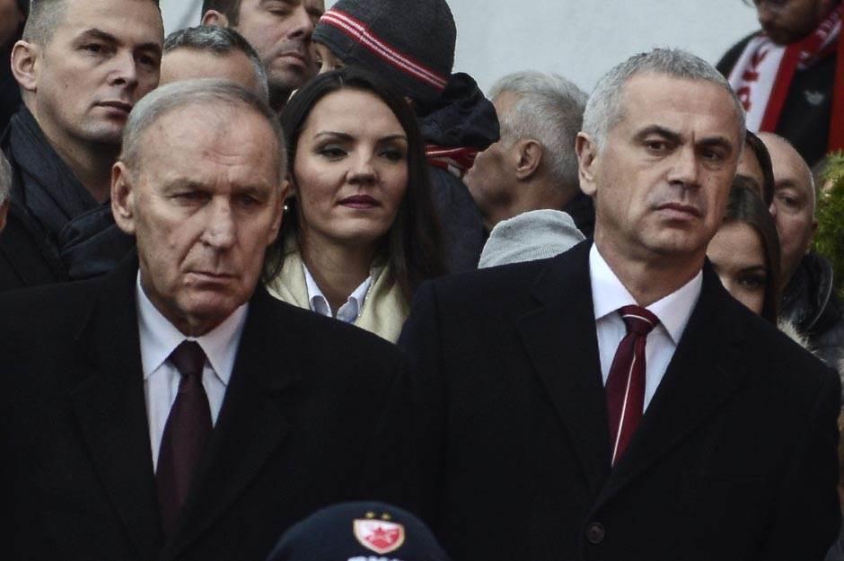 """Treća """"Zvezdina zvezda"""" i počasni predsednik FK Crvena zvezda, Dragan Džajić i generalni direktor, Zvezdan Terzić"""