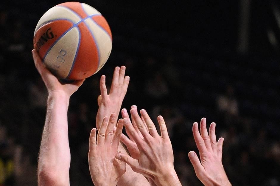 koš, košarkaška lopta
