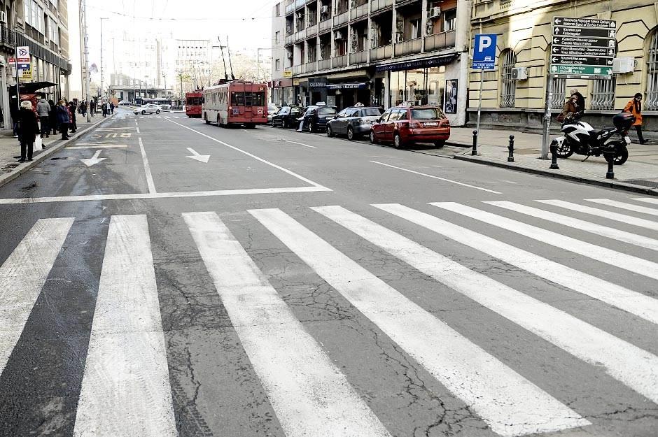 puste ulice, ulica, saobraćaj, pešaci, pešački