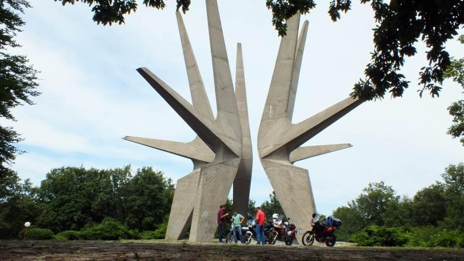 Spomenik na Kosmaju.
