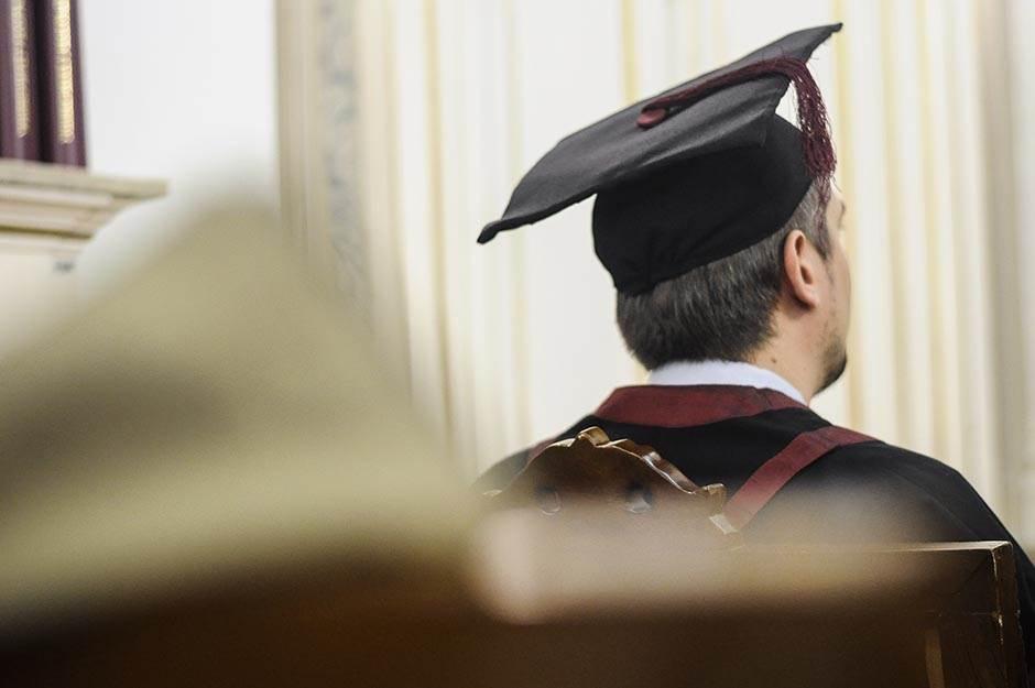 diploma, doktorat, student, studemti, master, školstvo, škola, univerzitet, fakultet, obrazovanje, profesor, učitelj, nastavnik