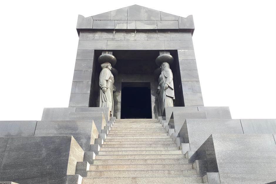 avala, spomenik neznanom junaku