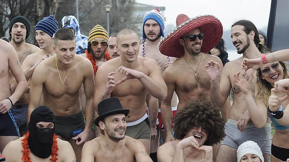 Beograđani u gaćama protiv zime!
