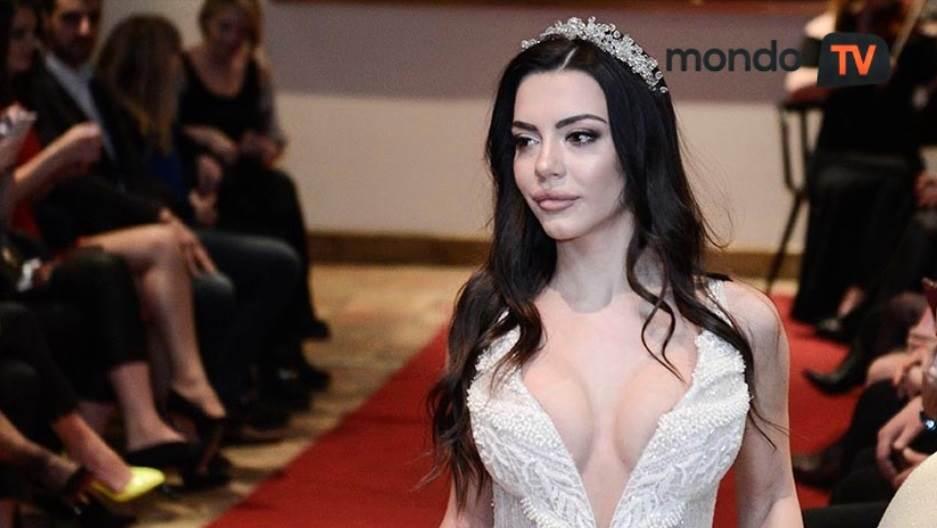 Helena Topalović, dekolte, moda, venčanica, mondo tv