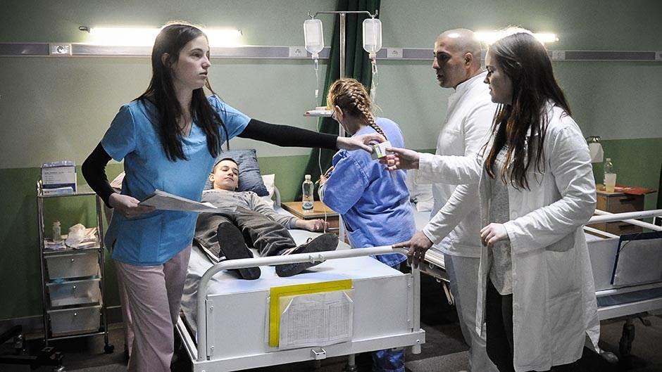 pregled, vizita, bolnica, klinika, hitna pomoć, bolest, zaraza, lečenje, lekari, doktor, doktori, pacijent, pacijenti, lekar lekari zdravstvo medicina