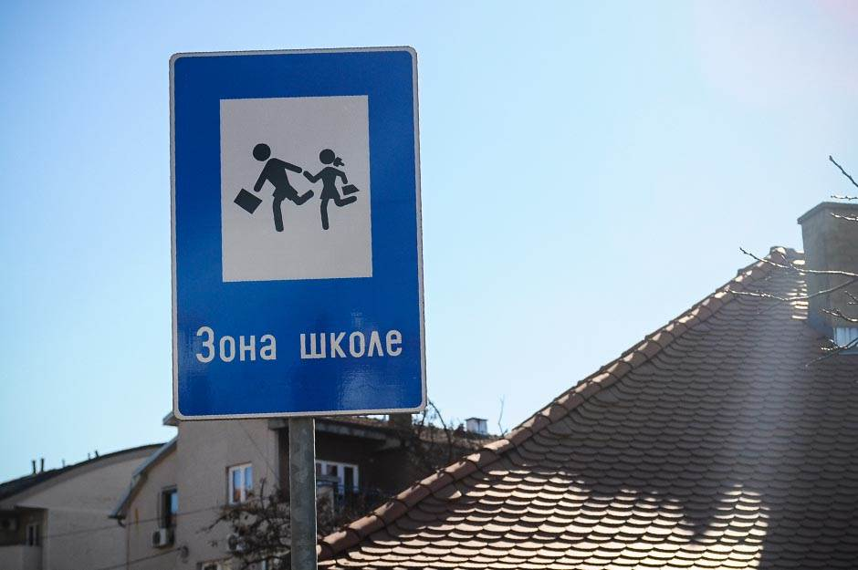 zona škole, škola, saobraćaj, znak,