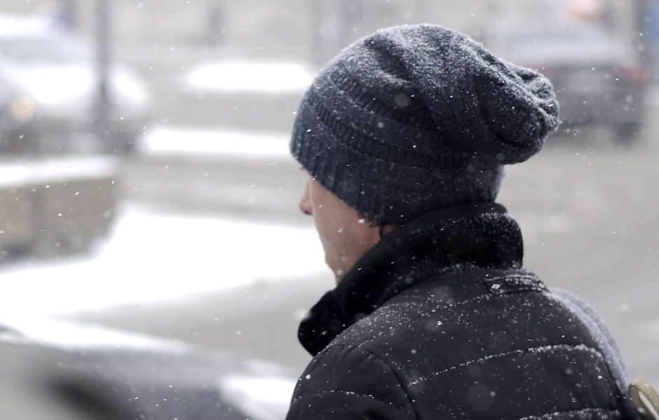 sneg, zima, mećava, kapa, hladno