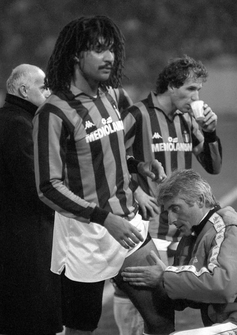 Rud Gulit i Franko Barezi na utakmici protiv Crvene zvezde u Beogradu 10. novembra 1988. godine.