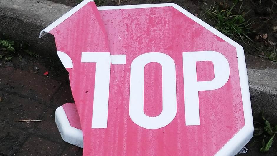 nesreća, znak, stop