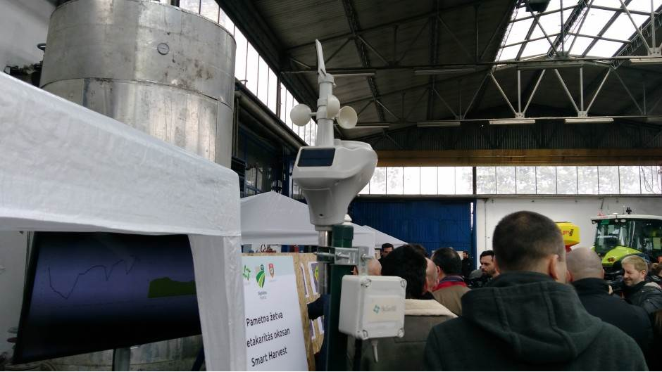 HAJ-TEK ČUDO: Dronovi i roboti na oranicama Srbije