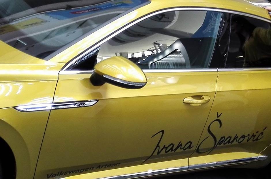 Potpisan auto, samo za Ivanu