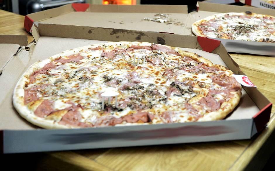 pica, pizza