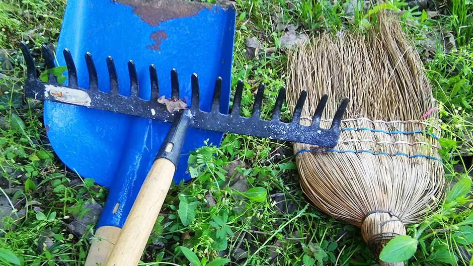 grabulje, lopata, metla, čišćenje