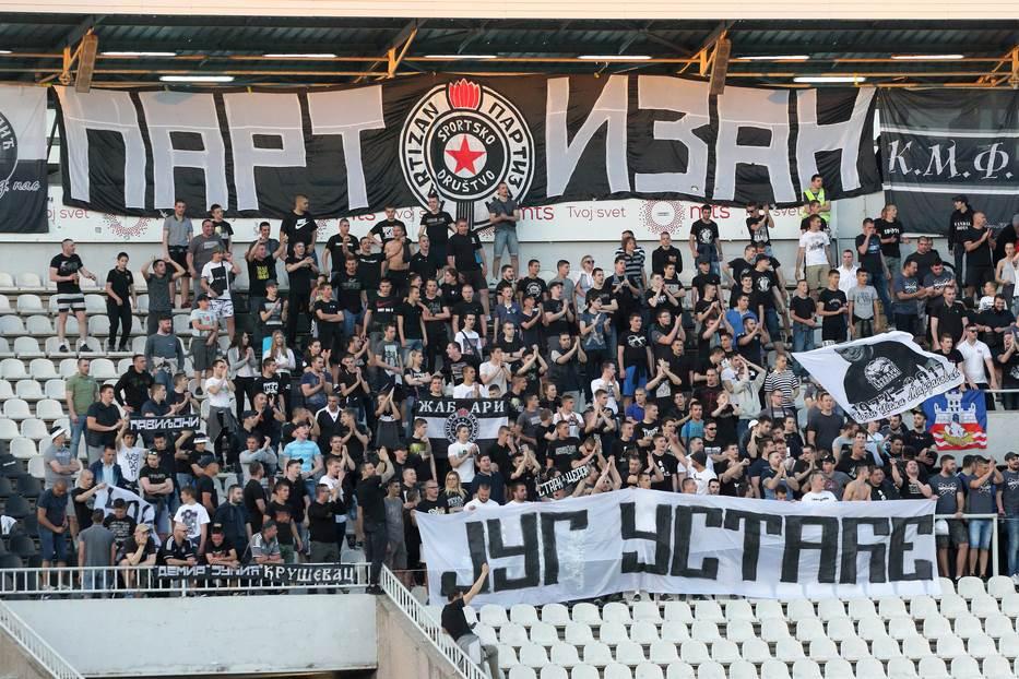 Grobari, navijači Partizana, Partizanovci