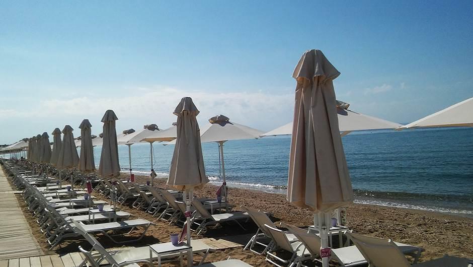 more, letovanje, plaža, grčka, ležaljka, suncobran