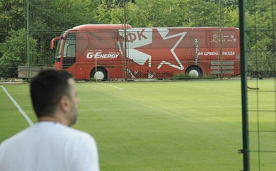 fk crvena zvezda okupljanje, fkcz, autobus