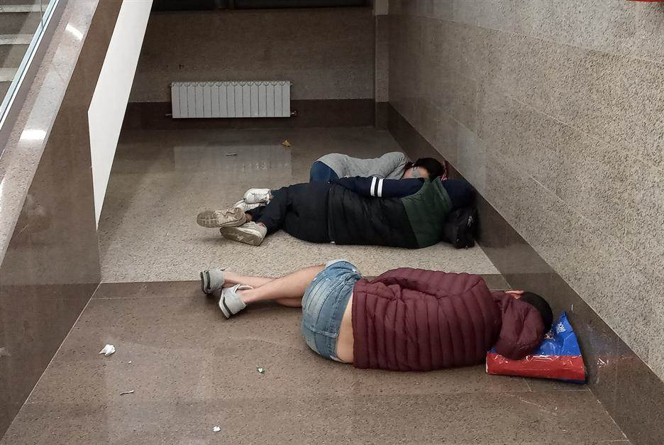 Spavali su na patosu i probudili se kao pobednici!