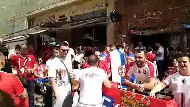 Atmosfera pred Srbija - Brazil