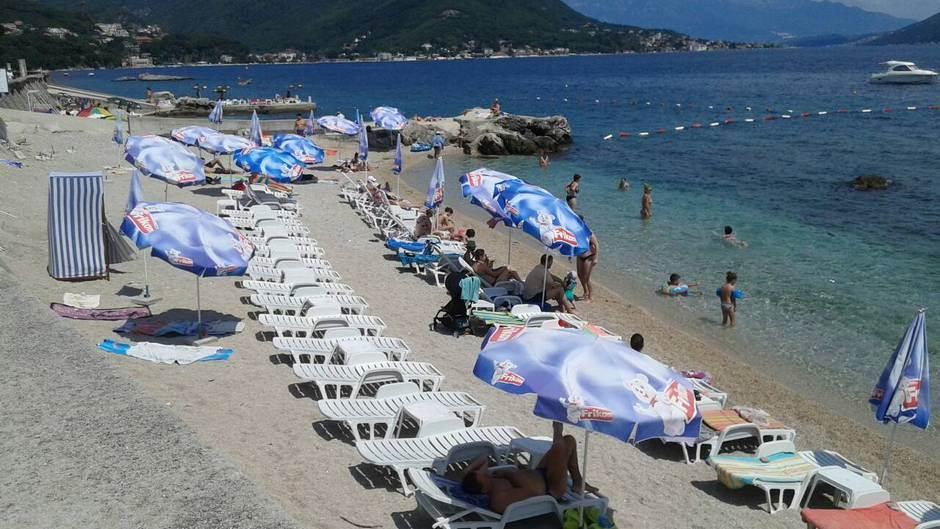 Evo koliko će vas koštati ležaljke u Crnoj Gori