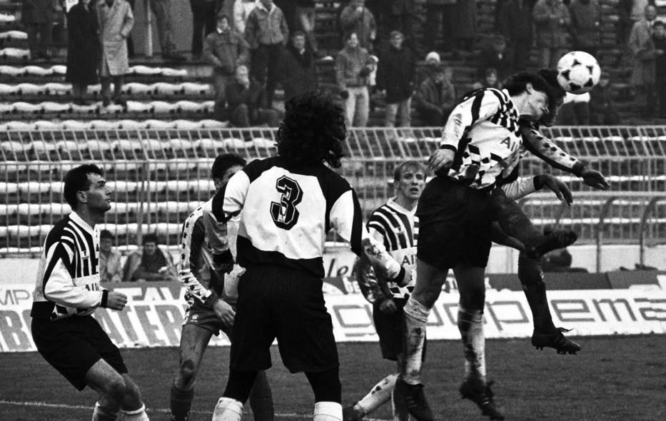 Dres Partizanove legende na aukciji
