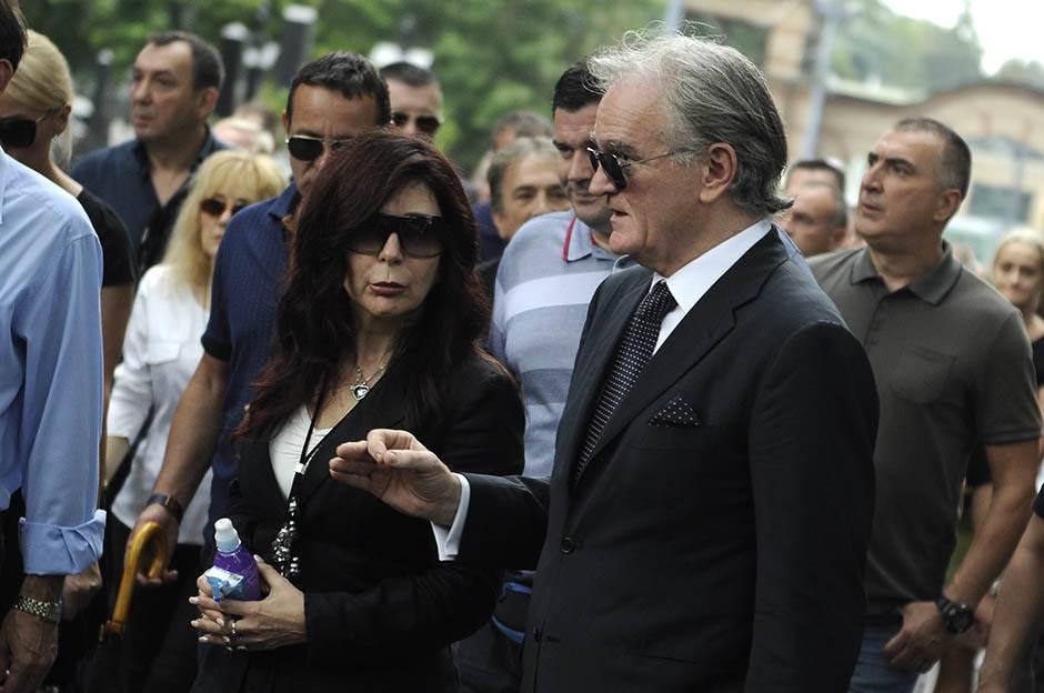 Zdenko Tomanović na slici desno