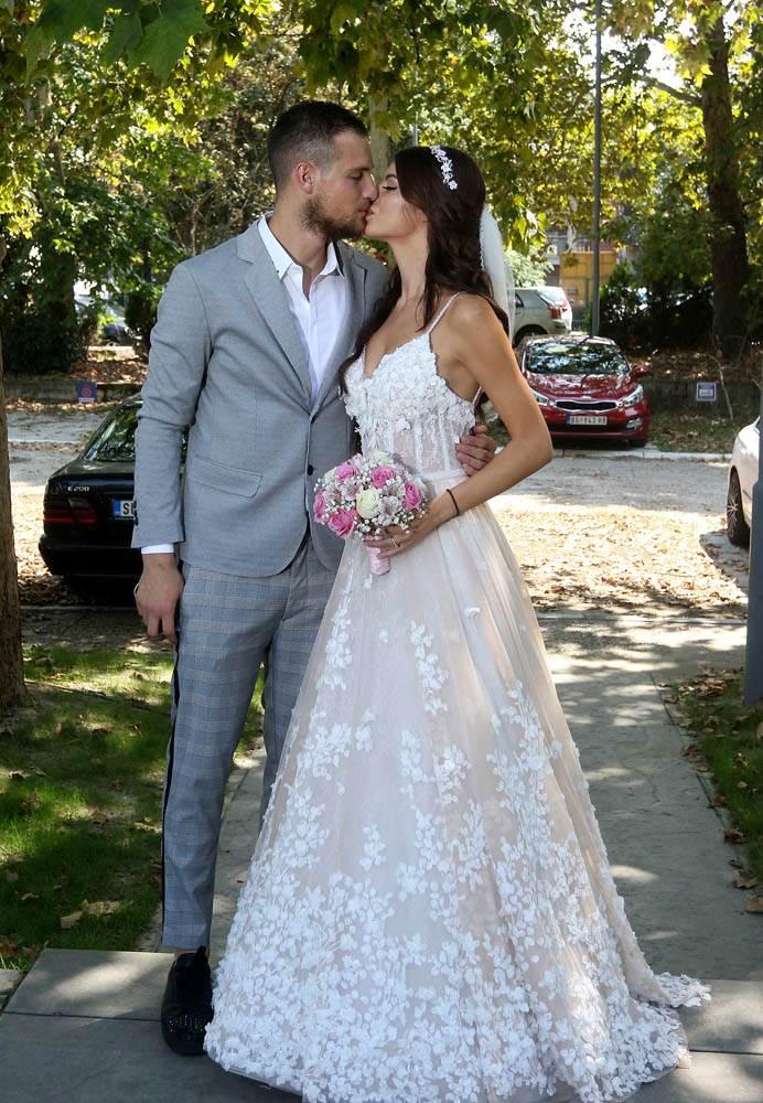 Rajković se oženio u patikama!