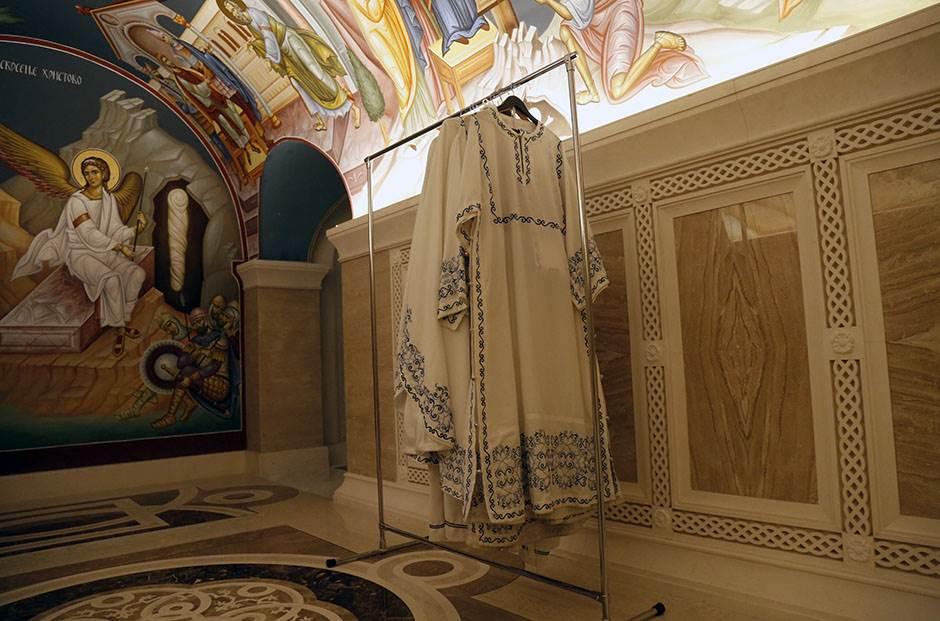 kripta, hram svetog save, crkva, spc, pravoslavlje, vernici beli anđeo