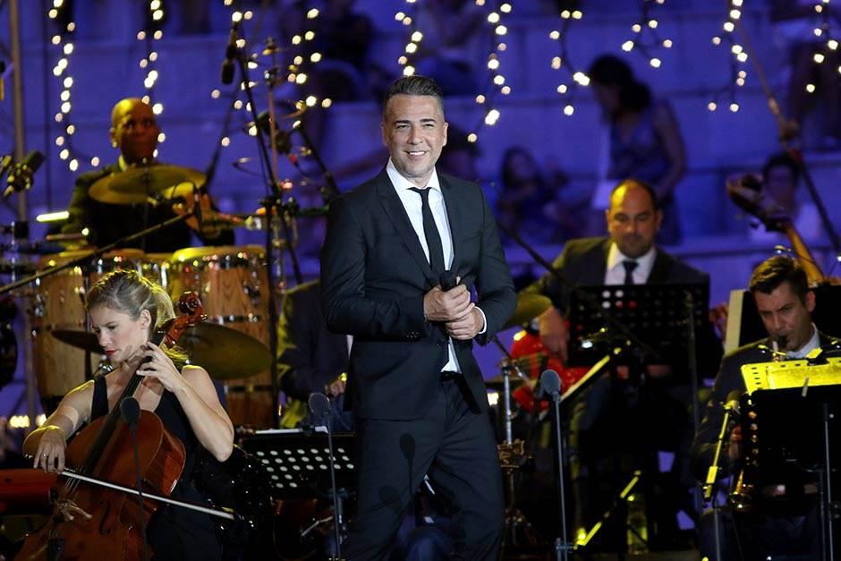 RTS: Koktel i rođendanski koncert
